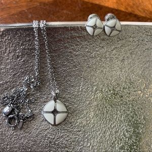 FOSSIL Necklace and earring set